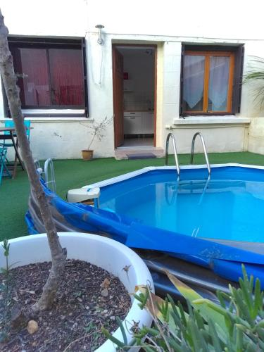 appartement avec piscine : Apartment near Villeveyrac