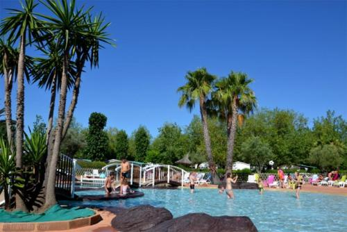 Camping Sunissim Les Salisses By Locatour : Guest accommodation near Vias