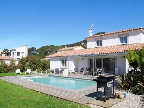 Ferienhaus mit Pool Carqueiranne 135S : Guest accommodation near Carqueiranne
