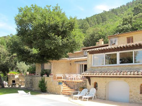 Ferienhaus mit Pool Nyons 140S : Guest accommodation near Les Pilles