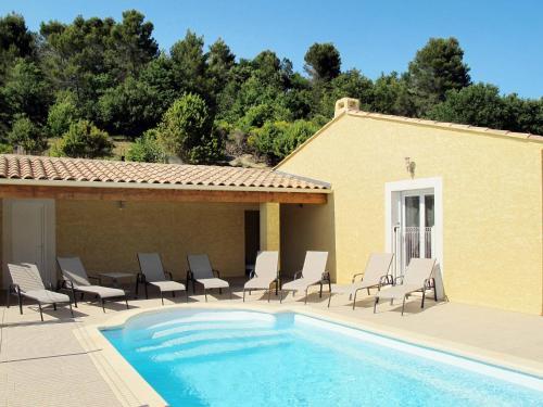 Ferienhaus mit Pool Valréas 215S : Guest accommodation near Vinsobres