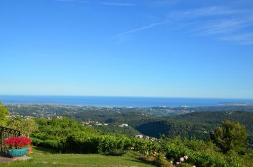 Gite les Citronniers : Guest accommodation near Roquesteron