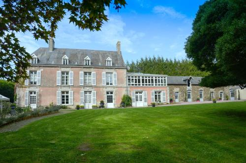 Domaine de la Palombe : Guest accommodation near La Barre-de-Semilly