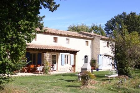 Mas des Poulains Chambres d'hotes : Bed and Breakfast near Eygalières