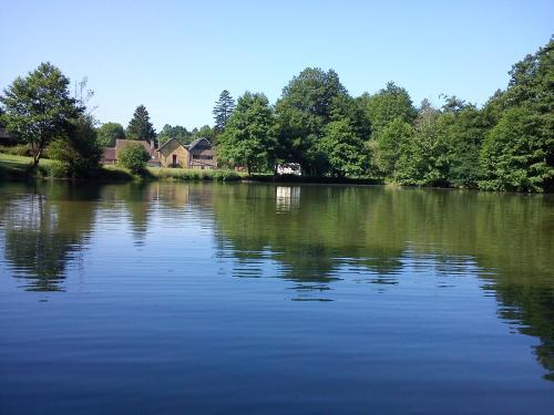 Gite, vakantiehuis : Guest accommodation near Sérigny