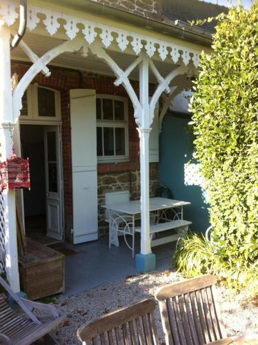 Holiday home Rue de la Greve - 2 : Guest accommodation near Saint-Lunaire