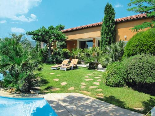 Ferienhaus mit Pool Gareoult 250S : Guest accommodation near Forcalqueiret