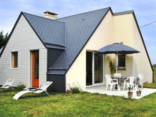 Ferienhaus Anneville-sur-Mer 401S : Guest accommodation near Geffosses