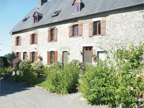 Holiday home Maupertuis L-841 : Guest accommodation near Sainte-Cécile