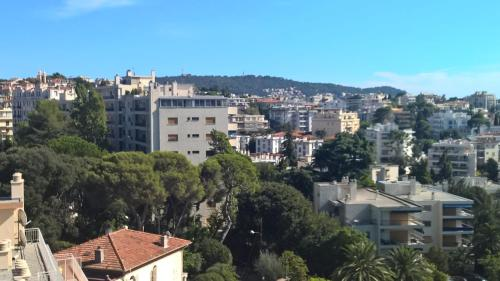 Great flat up to 4 with terrasse : Apartment near Falicon