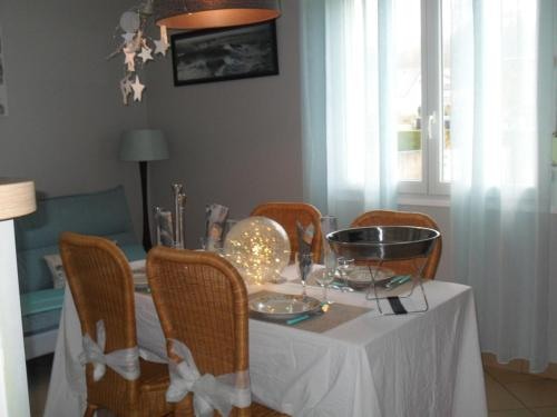 gite l oree de la foret : Guest accommodation near Mouflières