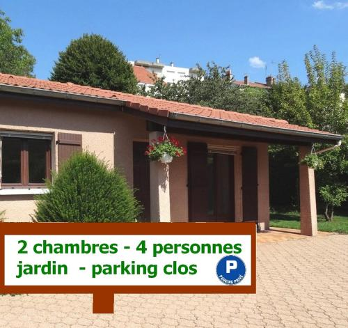 Le Clos Gentiane : Guest accommodation near La Tour-en-Jarez