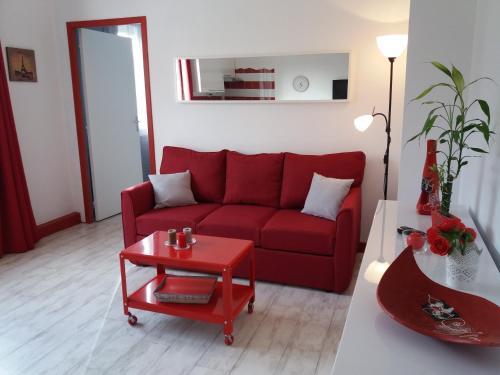 Melou : Apartment near Creissels