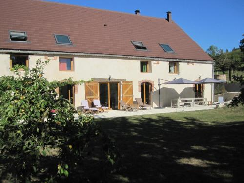 Sur Le Chemin Des Buvats : Bed and Breakfast near Saint-Gal-sur-Sioule