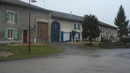 Maison De Vacances A La Ferme : Guest accommodation near Servon-Melzicourt
