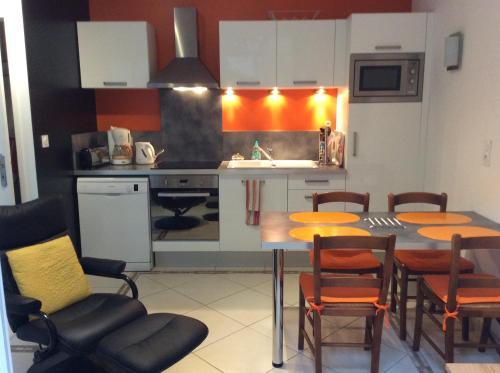 Appt Galliéni proche des thermes : Apartment near Genouillé