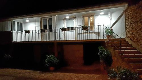 la maison de chaintre : Guest accommodation near Saint-Amour-Bellevue
