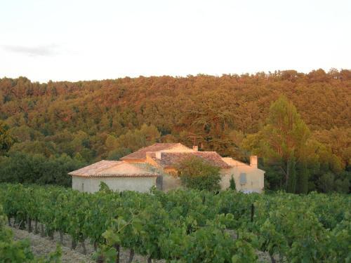 Mas Charpin : Guest accommodation near Puyvert