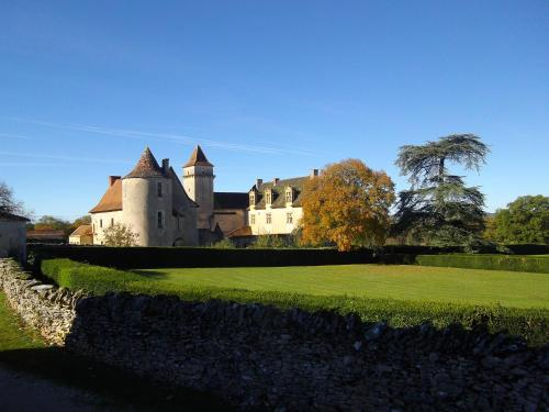 Château De Couanac : Guest accommodation near Tour-de-Faure