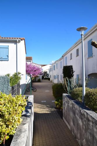 Holiday home Rue Pierre Loti : Guest accommodation near Vaux-sur-Mer