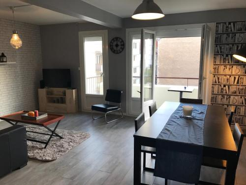The place to be ! : Apartment near Remilly-sur-Tille