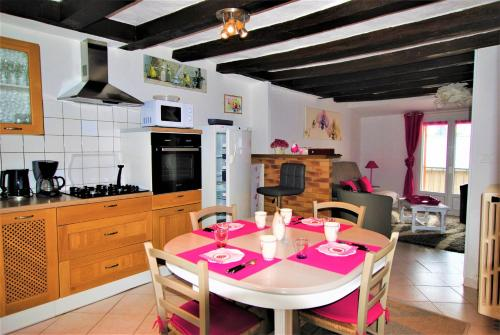 Chez Fred : Bed and Breakfast near Baslieux-sous-Châtillon