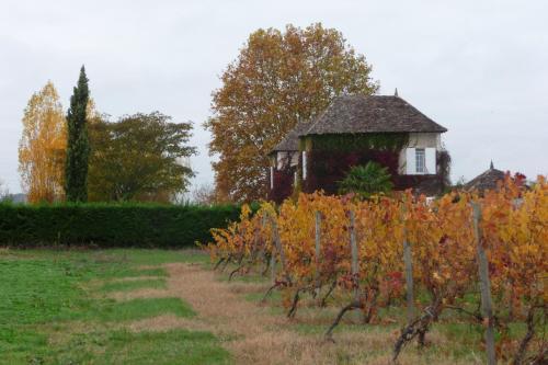 Domaine de la Queyssie : Bed and Breakfast near Saint-André-et-Appelles