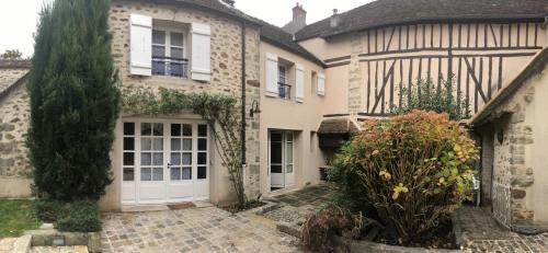 La Maison d'Emilie : Guest accommodation near Courpalay