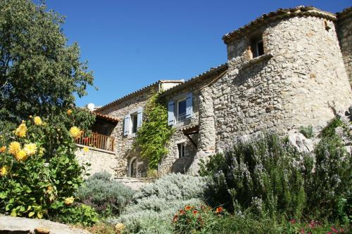 Les Hauts d'Issensac : Bed and Breakfast near Saint-Bauzille-de-Putois