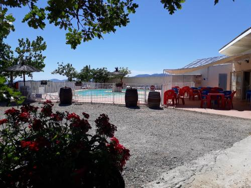Les Melias : Guest accommodation near Roquessels
