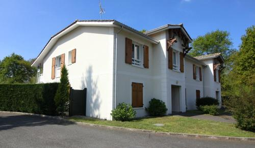 Jardin du Bourg : Apartment near Lanton