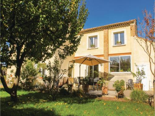 Five-Bedroom Holiday Home in Bollene : Guest accommodation near Lamotte-du-Rhône