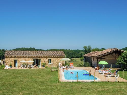Maison 6 personnes : Guest accommodation near Vergt-de-Biron