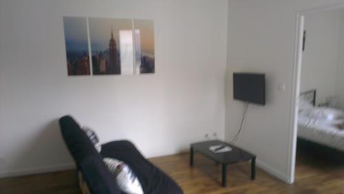 Appartement Refait A Neuf A Deux Pas De La Gare : Apartment near Chavannes