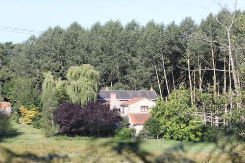 Gites Charles : Guest accommodation near Combrand