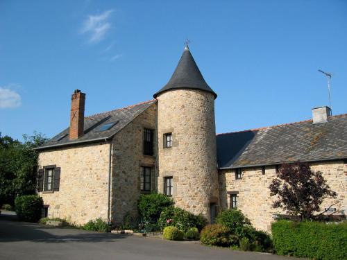 Chambres d'Hôtes de la Ferme Auberge de Mésauboin : Bed and Breakfast near La Selle-en-Luitré