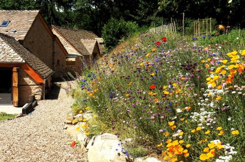 Domaine des Marequiers chambre Alchemille : Bed and Breakfast near La Canourgue
