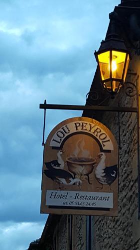 Auberge Lou Peyrol : Hotel near Parranquet