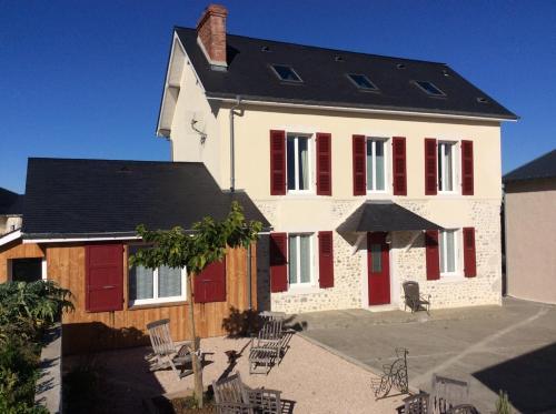Chez Juliette Maison d'Hôtes Chambres et Appartement : Guest accommodation near Assat
