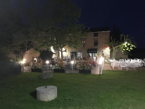 La petite rive : Hotel near Les Chères