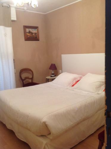 L'Ecrin D'Osely : Bed and Breakfast near Roqueredonde
