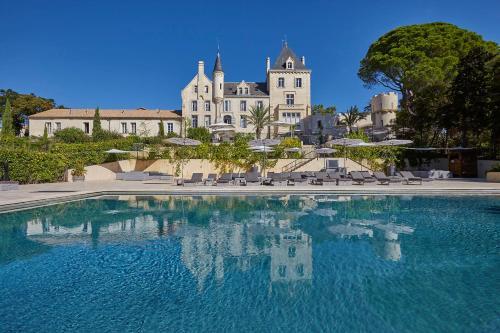 Château Les Carrasses : Hotel near Ouveillan