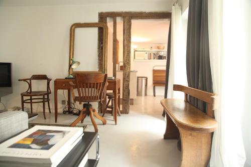 Beautiful 60 SQM Louvre, Opera. : Apartment near Paris 2e Arrondissement