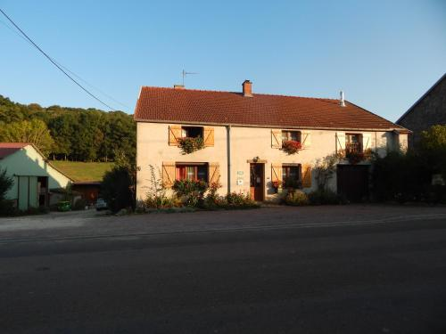 A la source du saolon : Bed and Breakfast near Andilly-en-Bassigny