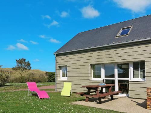 Ferienwohnung Créances 310S : Guest accommodation near Laulne