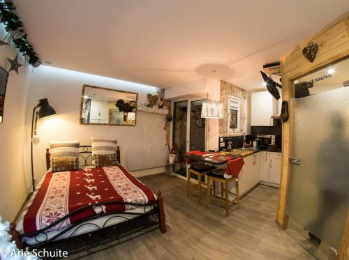 Au petit bouchon : Apartment near Neubois