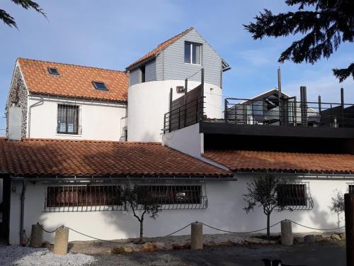 Le moulin : Guest accommodation near Saint-Michel-Chef-Chef