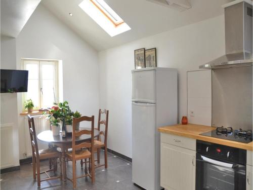 Four-Bedroom Holiday Home in Saint-Louans,Chinon : Guest accommodation near Thizay
