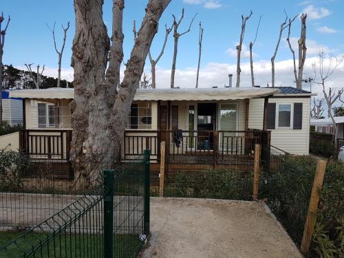Mobil Home dans Les Sables du midi : Guest accommodation near Sérignan