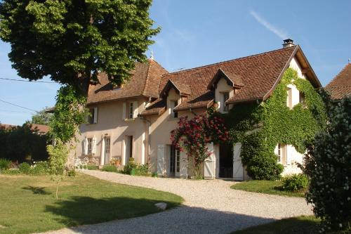Le Tilleul : Bed and Breakfast near Massieu